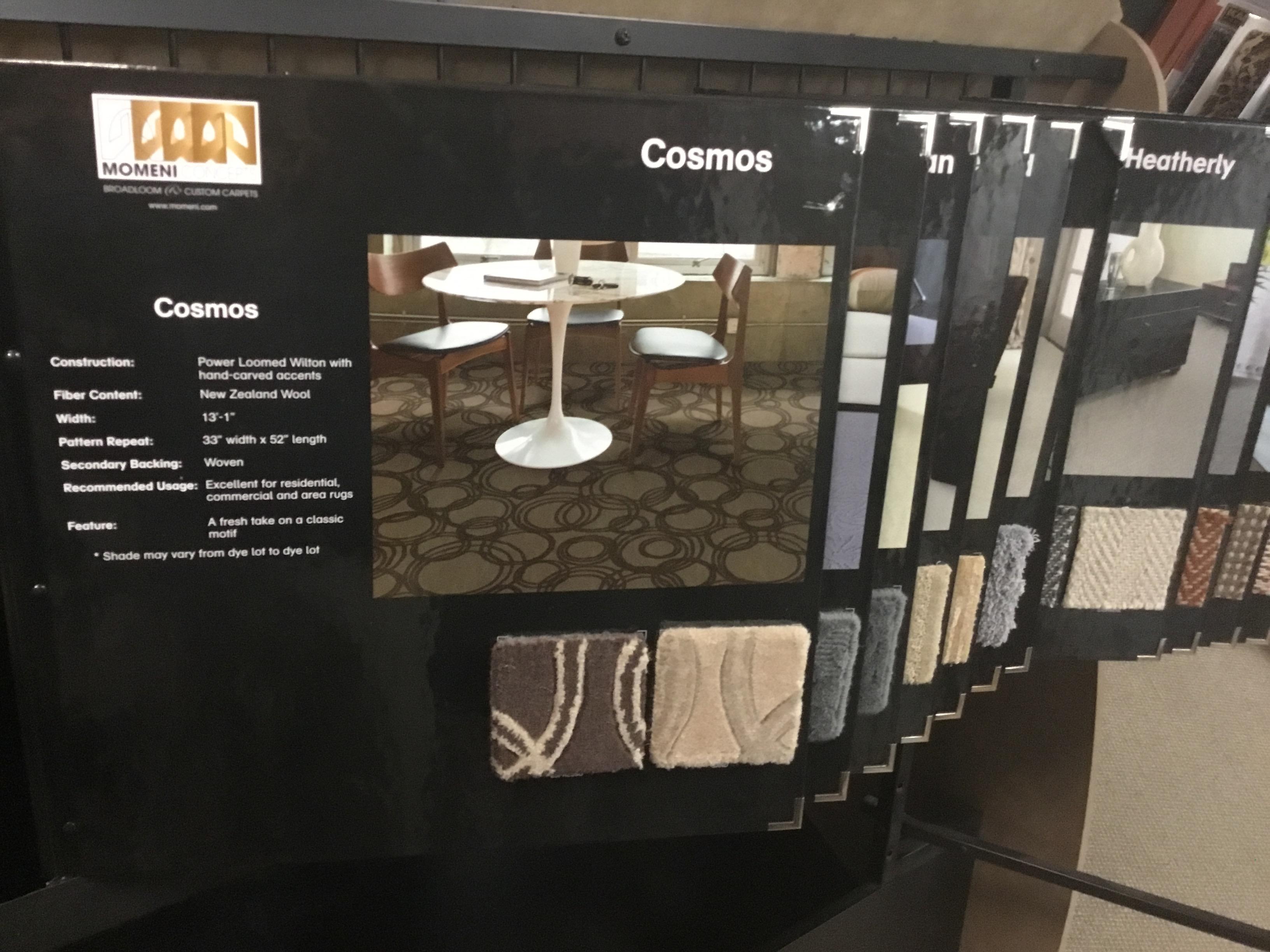 Momeni-display